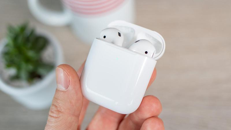 """Apple airbuds 2 comentarios 2 """"data-alt ="""" apple airbuds 2 comentarios 2 """">                         <h2>¿Necesito comprar un Apple AirPods 2?</h2> <p>El AirPod de segunda generación es una gran actualización repetitiva, que ofrece mejores velocidades de conexión, tiempo de conversación y soporte Hey Siri, junto con soporte opcional de carga inalámbrica, a pesar del deseo de más amantes del audio debido a la falta de mejoras en el departamento de audio.</p> <h4>Precio en revisión</h4> <h2>El mejor precio de hoy</h2> <p>      Entrega de precio minorista         </p> <p>Compara precios en más de 24,000 tiendas en todo el mundo.</p> <h2 class="""