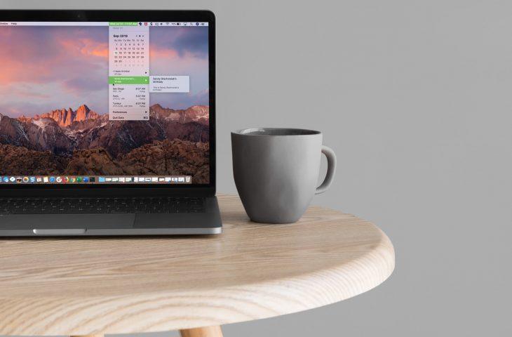Cómo poner un calendario y zonas horarias en la barra de menú de Mac