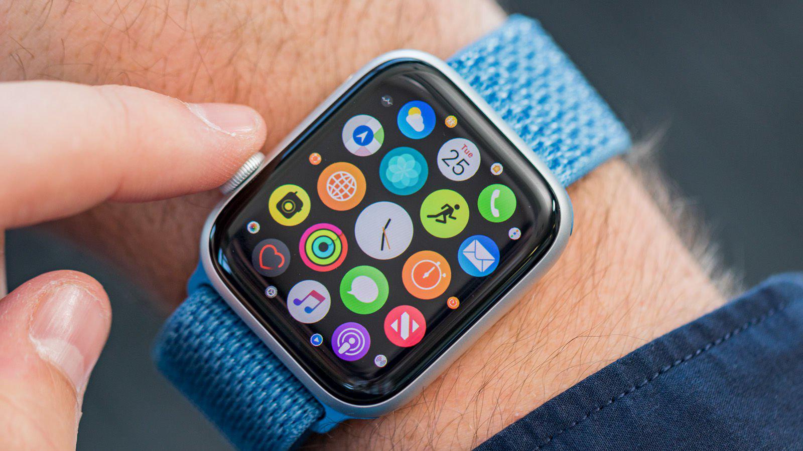 Samsung Galaxy Watch Active 2 vs Apple Watch Series 4: WatchOS