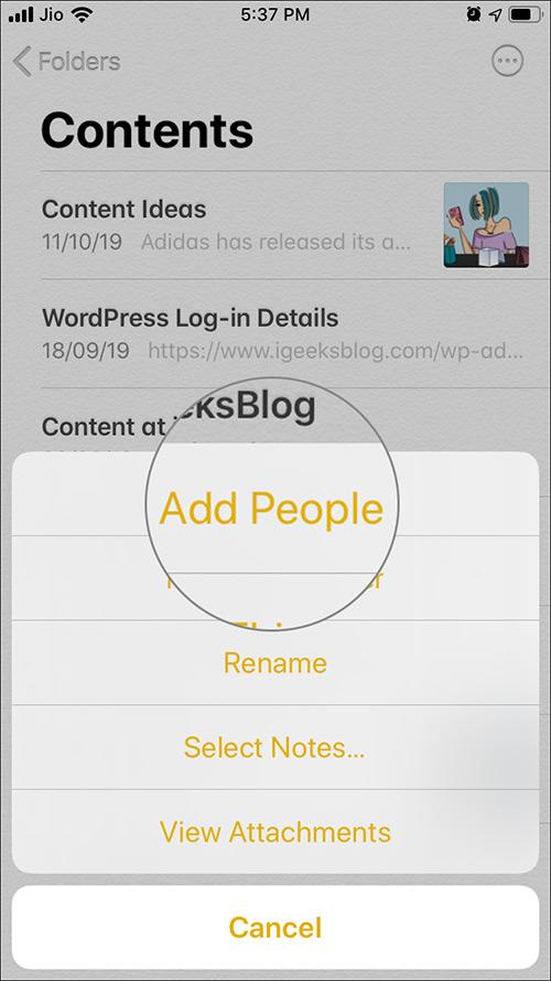 Toque Agregar personas desde la opción de selección en la aplicación Notas en iOS 13