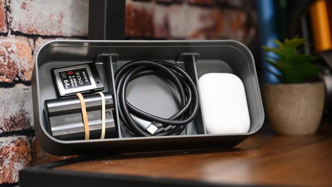 Almacenamiento ajustable en la parte inferior de BentoStack PowerHub