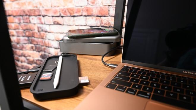 BentoStack PowerHub se utiliza como batería y como concentrador USB-C