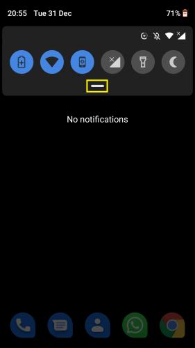 Acceder al menú de desplazamiento hacia abajo en Android para darle a su dispositivo Android una nueva apariencia al habilitar el tema oscuro oculto (Turrón)