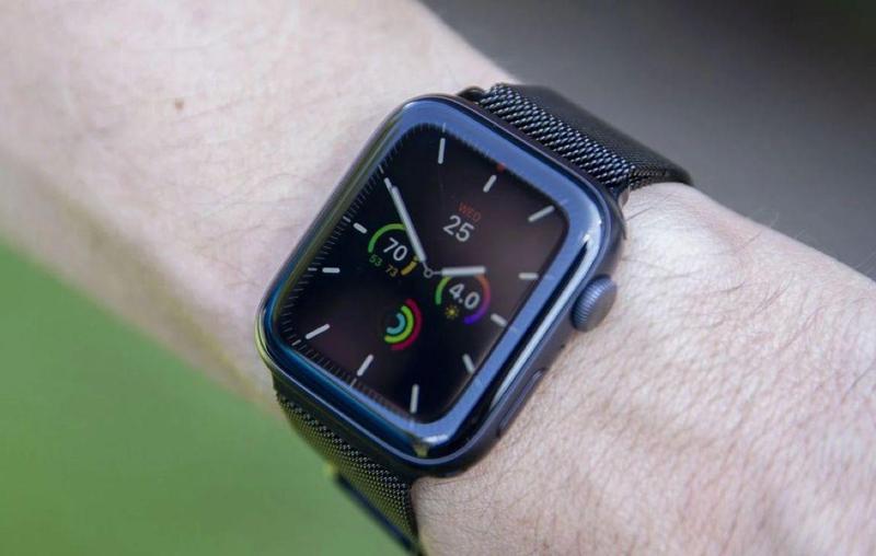 """Serie de relojes Apple 5 Deal """"data-alt ="""" Apple Watch Series 5 Deal """">               <p>Quizás el reloj inteligente más capaz del mercado. Apple Watch Serie 5 Notorio de encontrar </p> <p>Si no desea enviarlo con otros productos o comprar un modelo celular bajo un contrato, buscar un descuento puede parecer inútil.</p> <p>Es por eso que las ofertas ofrecidas por BT son tan atractivas. £ por tiempo limitado20 En todos los modelos Apple Watch Serie 5 Si utiliza el código & # 39; APPLE1WATCH20 & # 39; al finalizar la compra, esto significa que la versión de aluminio de 44 mm cuesta solo 409 libras, mientras que el modelo celular en el mismo dispositivo ahora cuesta £ 509. </p><div class='code-block code-block-12' style='margin: 8px auto; text-align: center; display: block; clear: both;'> <div id = 'vdo_ai_div'></div><script>(function(v,d,o,ai){ai=d.createElement('script');ai.defer=true;ai.async=true;ai.src=v.location.protocol+o;d.head.appendChild(ai);})(window, document, '//a.vdo.ai/core/applexgen/vdo.ai.js');</script></div>  <p>BT también ofrece envío gratuito en todos los relojes. Esta es la compañía 1 Se espera que caduque a fin de mes, ya que se ofrece como parte de las ventas mensuales.</p><div class='code-block code-block-2' style='margin: 8px auto; text-align: center; display: block; clear: both;'> <div data-ad="""