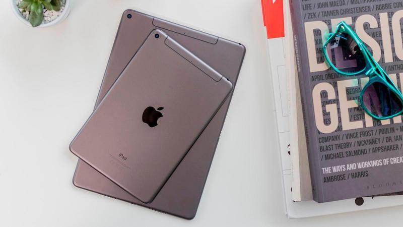 """Nueva fecha de lanzamiento de ipad 2020 """"data-alt ="""" nueva fecha de lanzamiento de ipad 2020 """">               <p>Apple    En 2019 3 Nuevos iPhones, MacBook Pros extragrandes, Mac Pros, Apple Watch Serie 5 Todos dominan los titulares. Pero el departamento de tabletas de la compañía se negó a renunciar. Air y mini-line resucitaron a la victoria, y el iPad 10.2in es el mejor nivel de entrada en nuestra revisión. Apple Dispositivo """".</p> <p>¿Cuál de las siguientes es la pregunta más importante? ¿Qué sigue para iPad? ¿Continuarán resucitando el iPad Air y Mini para 2020? Apple ¿Quieres lanzar los siguientes modelos Pro? Lo más importante es lo que almacena para el iPad base, una tableta que introduce a muchas personas al ecosistema iPadOS.</p> <p>En este artículo, organizaremos y analizaremos los últimos y más relevantes rumores y fechas de lanzamiento, diseños, nuevas funciones y precios para el nuevo iPad en 2020.</p><div class='code-block code-block-12' style='margin: 8px auto; text-align: center; display: block; clear: both;'> <div id = 'vdo_ai_div'></div><script>(function(v,d,o,ai){ai=d.createElement('script');ai.defer=true;ai.async=true;ai.src=v.location.protocol+o;d.head.appendChild(ai);})(window, document, '//a.vdo.ai/core/applexgen/vdo.ai.js');</script></div>  <h2>Fecha de lanzamiento</h2> <p>10)2 Pulgada iPad 2019 9 Se anunció en mayo, pero como se sabe que el iPad se lanzará durante todo el año, es peligroso intentar extrapolarlo aún más. El lanzamiento de otoño es tan regular y predecible que es diferente del iPhone, donde puede configurar su reloj (o calendario).</p><div class='code-block code-block-2' style='margin: 8px auto; text-align: center; display: block; clear: both;'> <div data-ad="""
