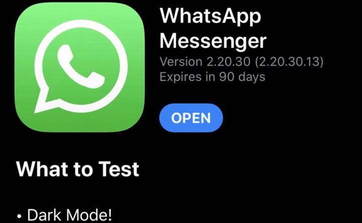 Prueba de Android para iPhone en modo oscuro de WhatsApp