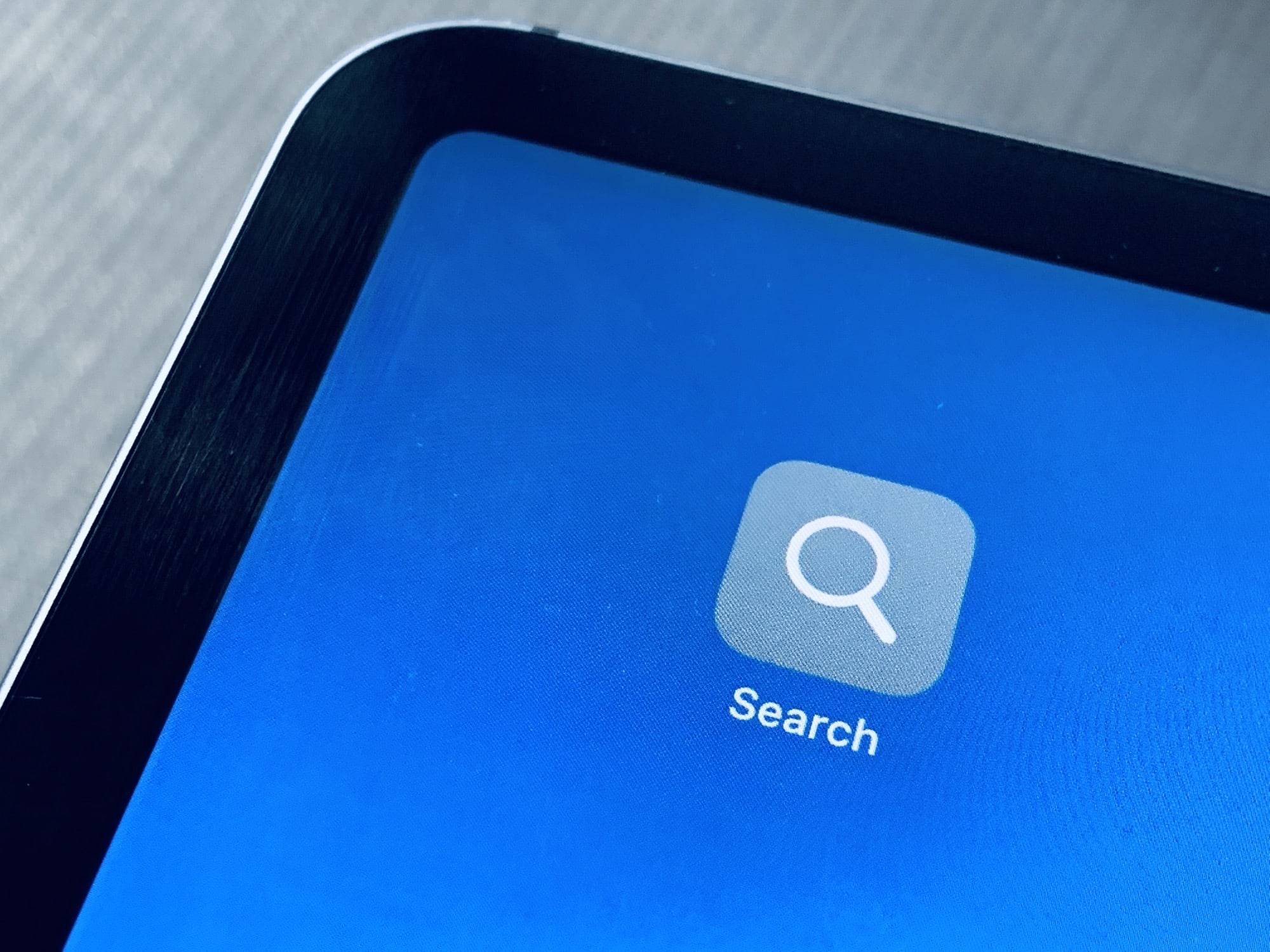 Add a custom search button to your Home screen on iPhone or iPad.
