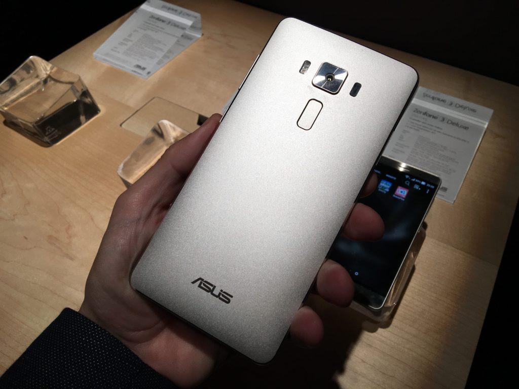 5 menit dengan Asus Zenfone 3 Deluxe [Video] 1