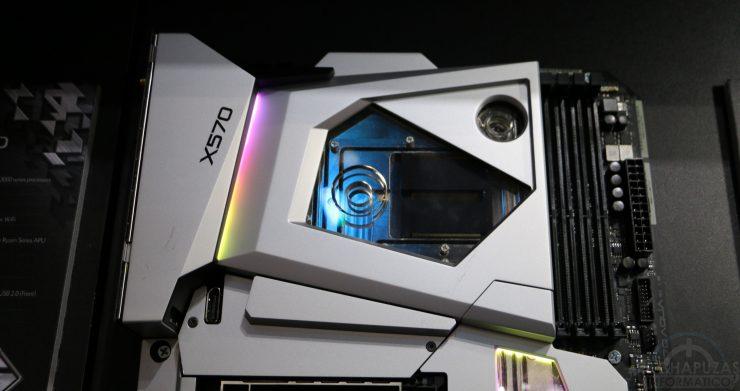 ASRock wprowadza na rynek wysokiej klasy płytę główną dla AMD Ryzen, AQUA X570