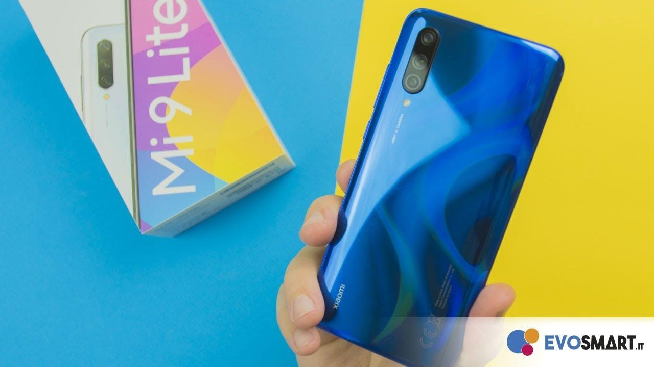 Membuka Kotak Xiaomi Mi 9 Lite: keluarga Mi 9 selesai!