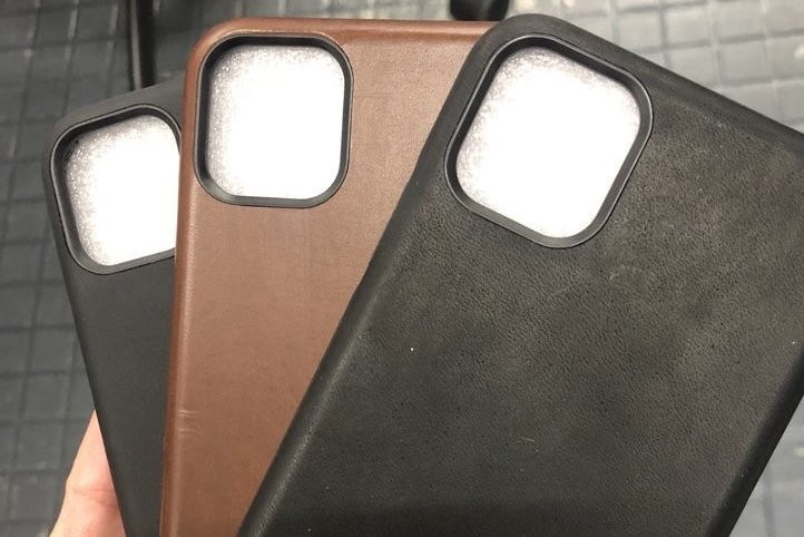Cases appear showing an aperture with more room for the camera in the ... 1