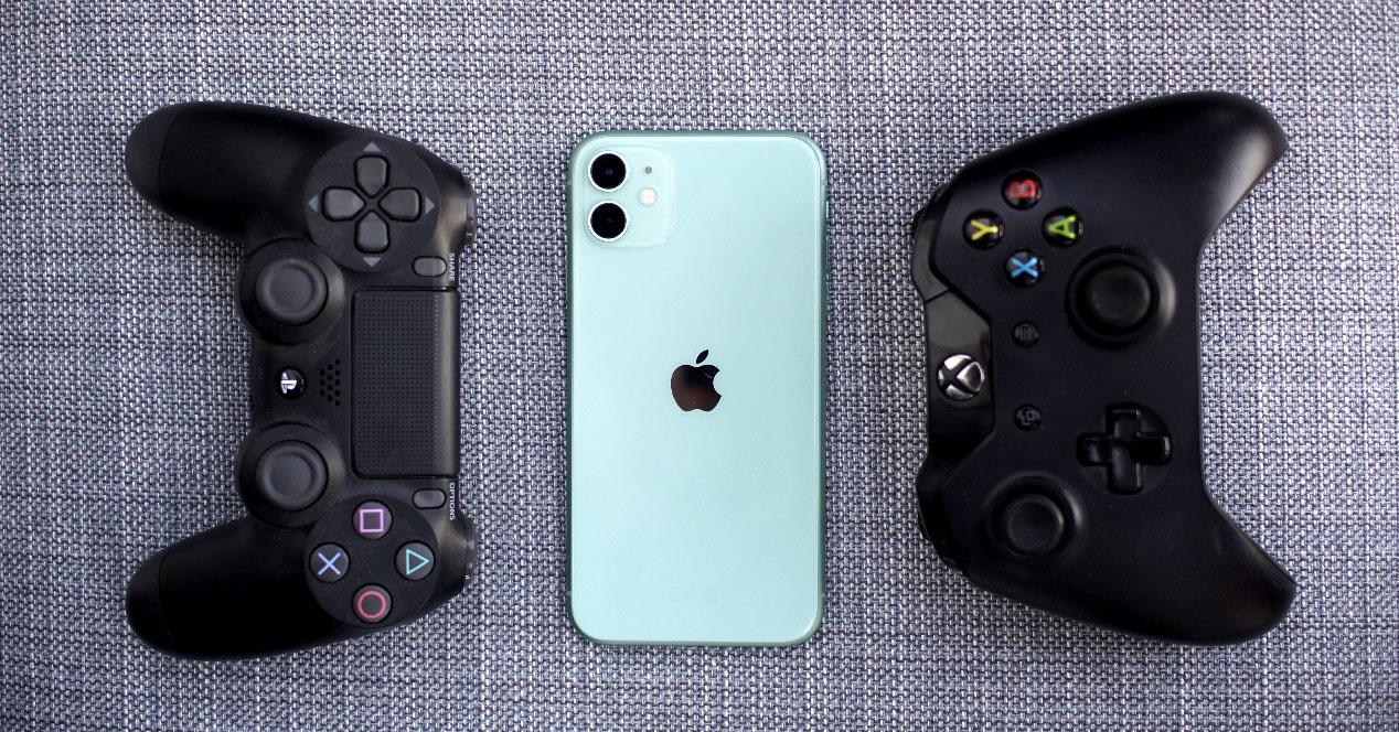 Cara menggunakan pengontrol PS4 dan Xbox One di iPhone