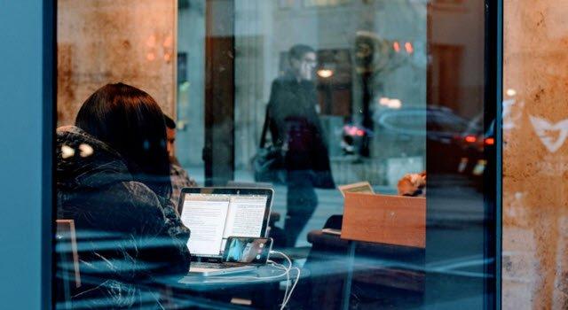 Cree rápidamente una sala de reuniones en línea con Talky