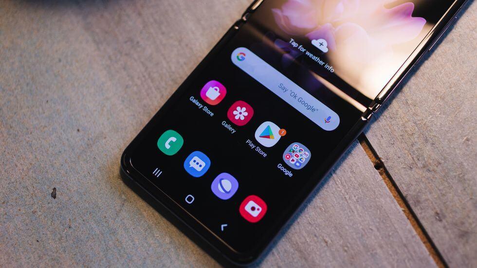 Samsungin purku Galaxy Z Flip sisältää näyttötoiminnot …
