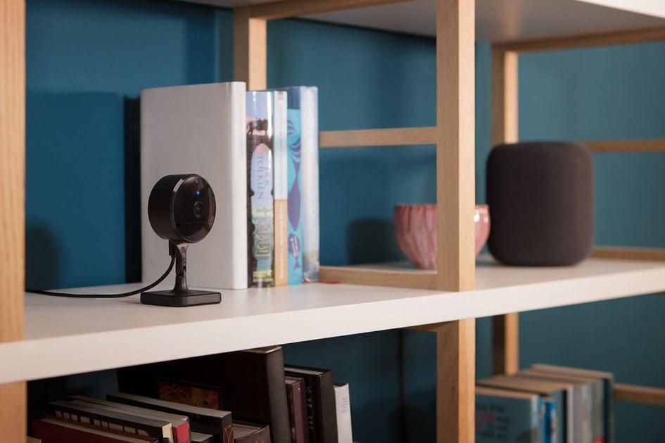 Eve Cam adalah kamera keamanan dalam ruangan pertama yang dibuat untuk Apple Video Aman HomeKit