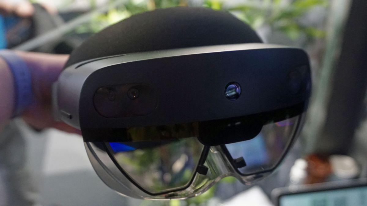Tanggal rilis HoloLens 2 dikonfirmasi untuk bulan depan