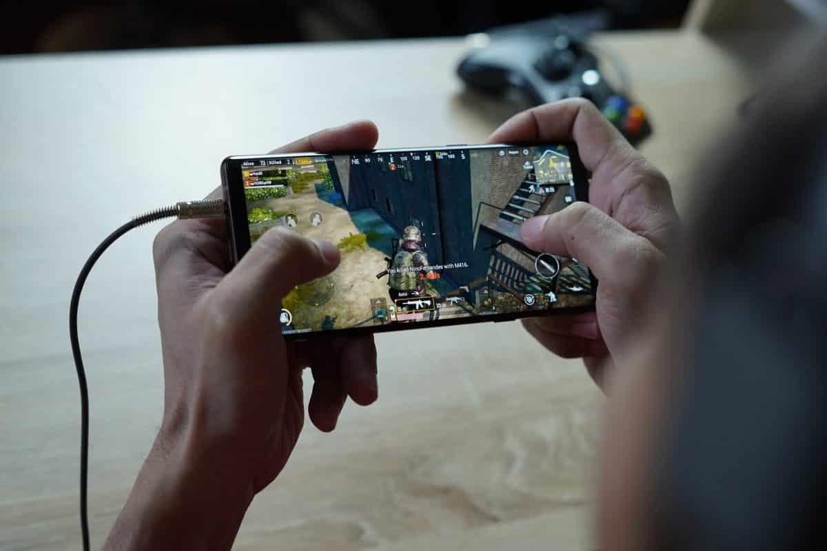 "Samsung Galaxy GAming ""width ="" 1200 ""height ="" 800"