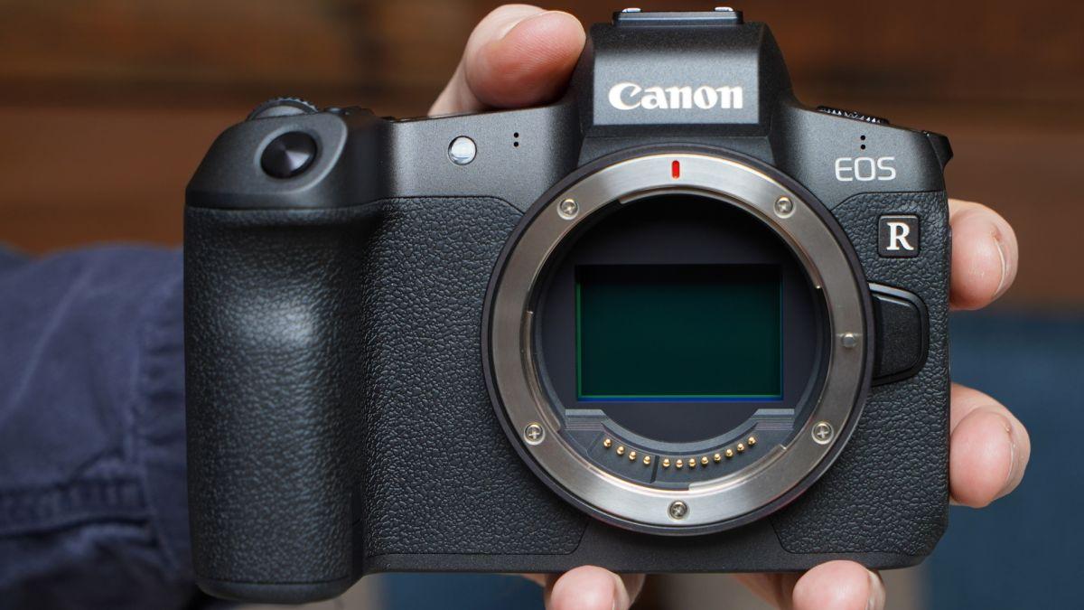 Canon EOS R-täyskamerakamera huhuttiin …