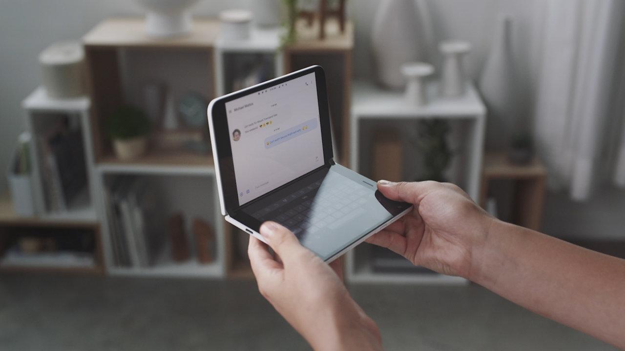 Surface Duo debería salir al mercado este verano