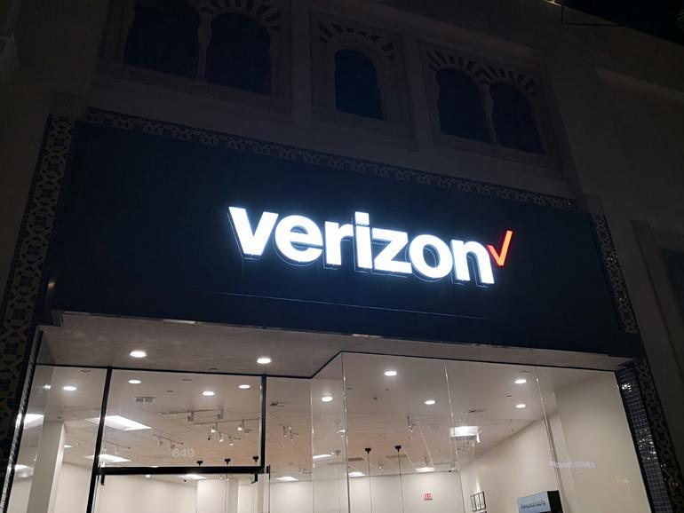 Verizon akan mengambil biaya $ 4,6 miliar untuk sumpah writedown; P4 dipukul dengan biaya pesangon juga