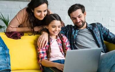 ¿Qué es compartir en familia en Seesaw?