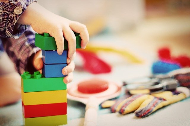 hračky stavebných blokov