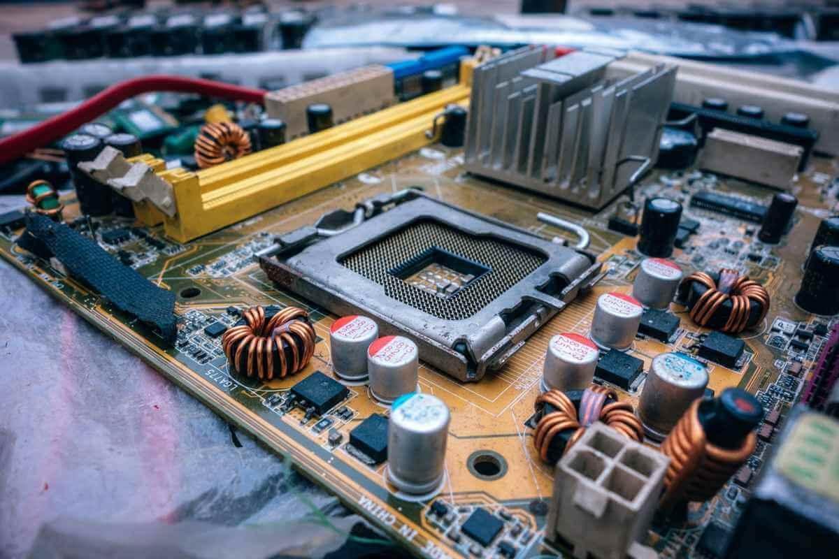 Skontrolujte chybu registrácie hardvéru