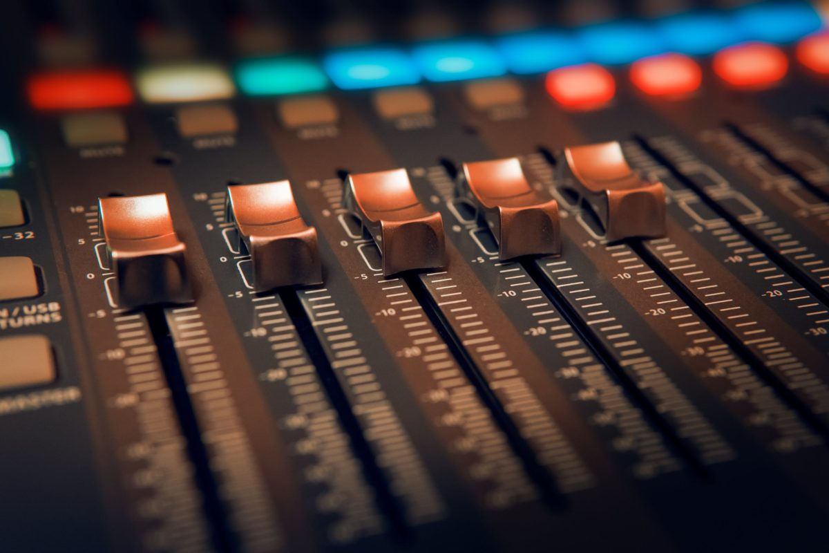 5 Las mejores aplicaciones de DJ para mezclar música y tocar loops y tambores ...