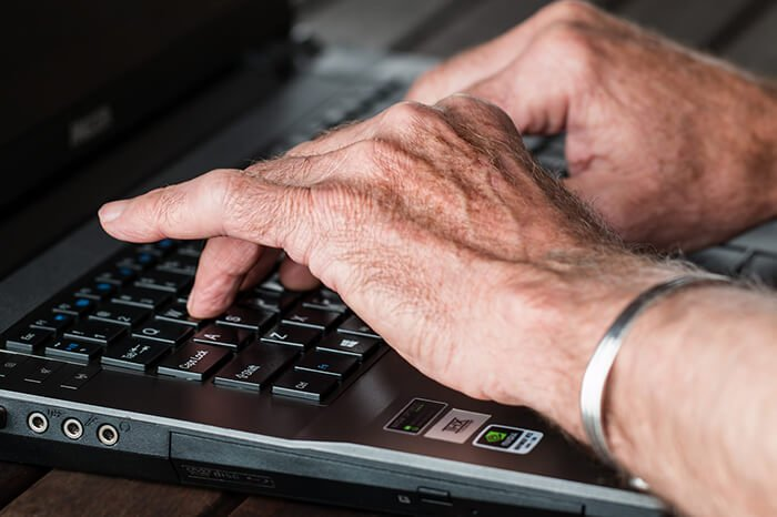Tech Gifts for Seniors - Featured Image