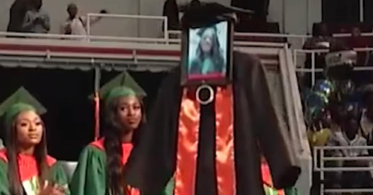 Apple Robot iPad membantu siswa Alabama yang sakit menghadiri kelulusannya