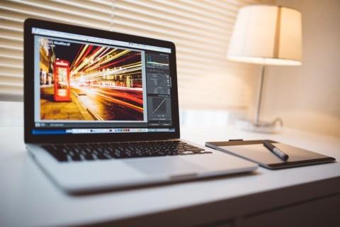 Cách làm mờ hình ảnh trong Adobe Lightroom 5