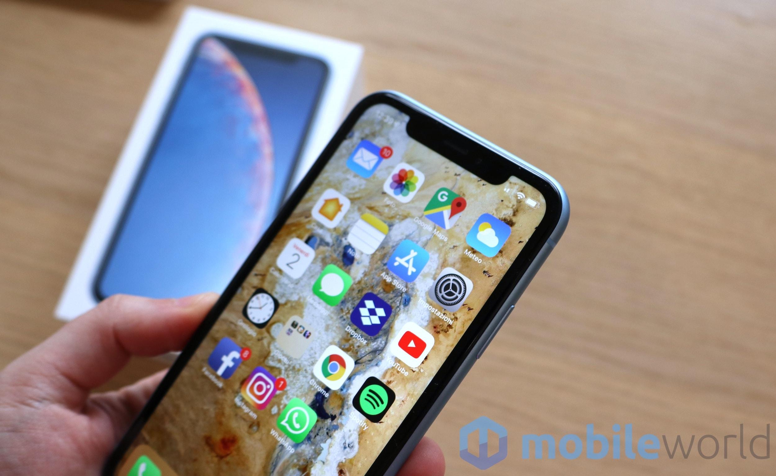 IPhone XR thống trị bảng xếp hạng điện thoại thông minh bán chạy nhất năm 2019 và ... 1