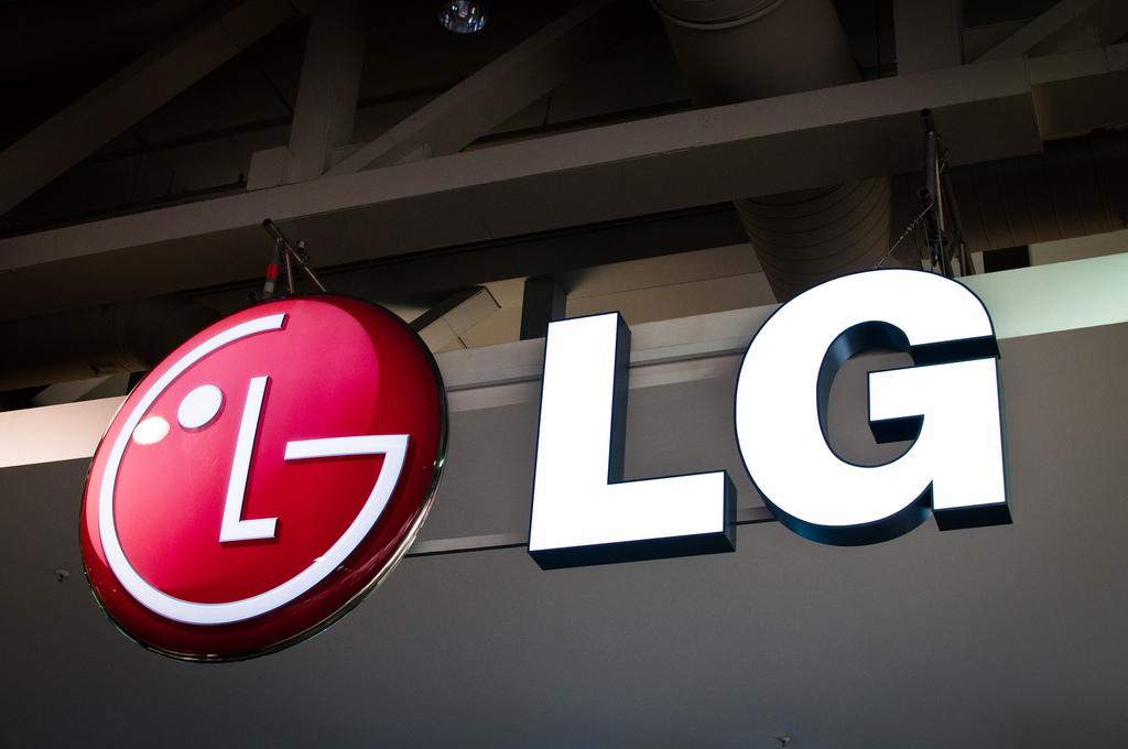 LG V60 Mendatang Tampaknya Menawarkan Banyak Mic, Banyak Kamera, & Banyak Baterai