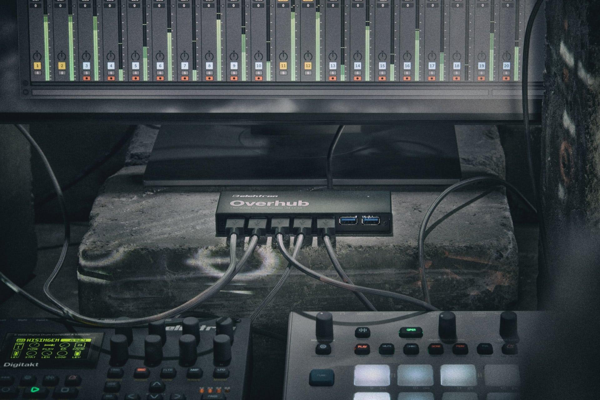 Üst köprü Elektron donanımı ile müzik yazılımı arasındaki boşluğu doldurur.