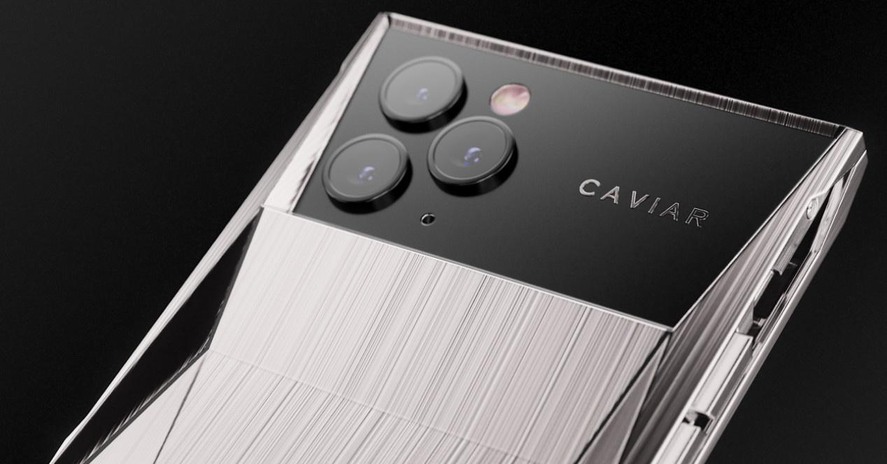 Đây sẽ là iPhone được thiết kế bởi Tesla (và bạn có thể mua nó) 3