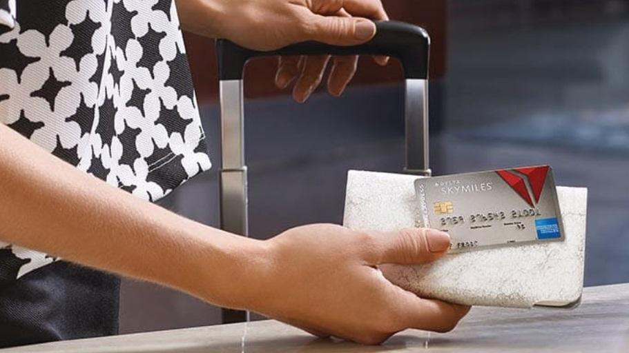 Hingga 50.000 miles bonus dan kredit $ 500 dengan penawaran kartu kredit baru Delta
