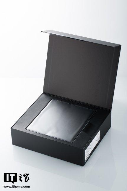 El alcance de la entrega de Huawei Mate Xs se puede ver en unboxing.