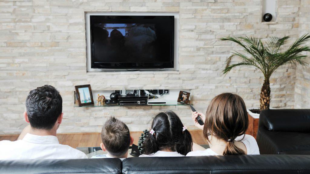 Setengah dari semua rumah tangga di Inggris sekarang berlangganan layanan streaming