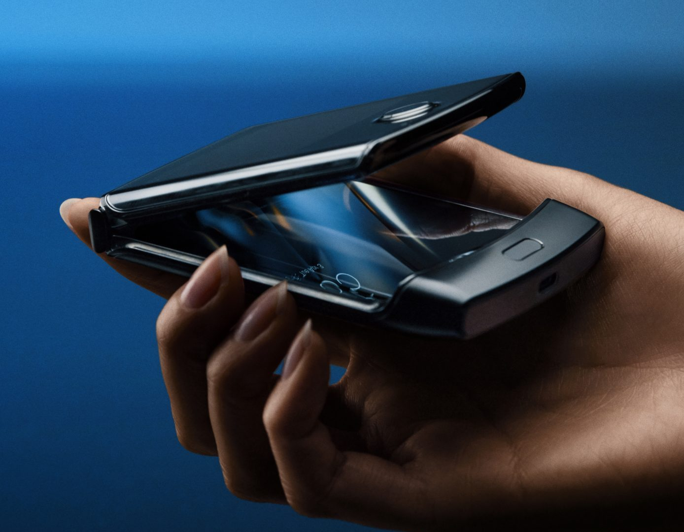 Motorola RAZR ennakkotilauksena EE: ssä
