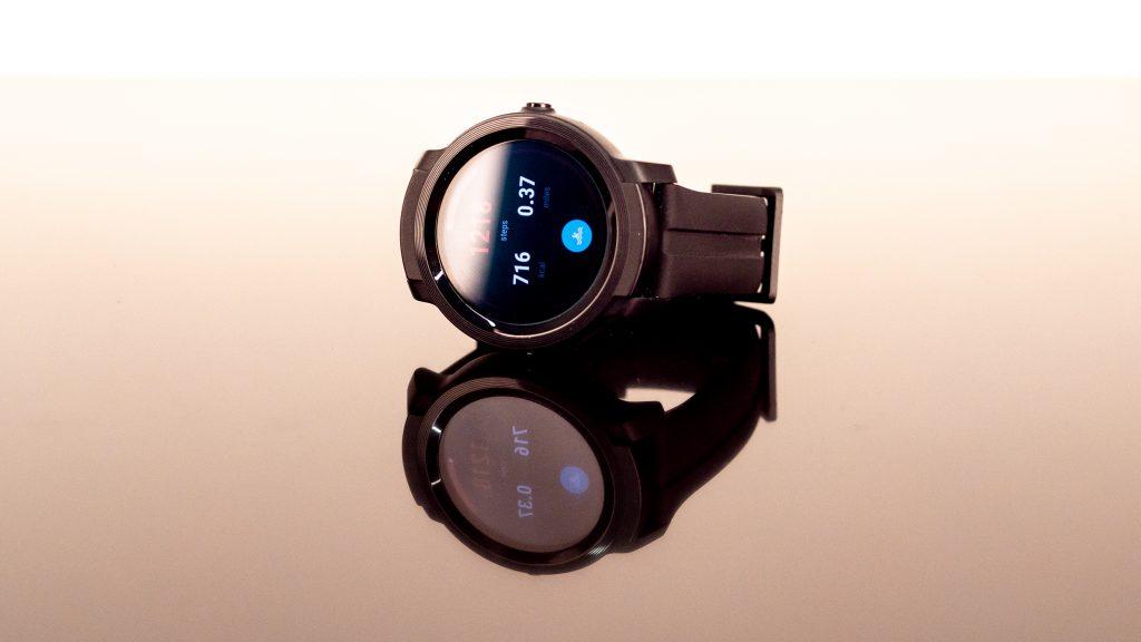 Ulasan Mobvoi TicWatch E2: Smartwatch Wear OS murah terbaik
