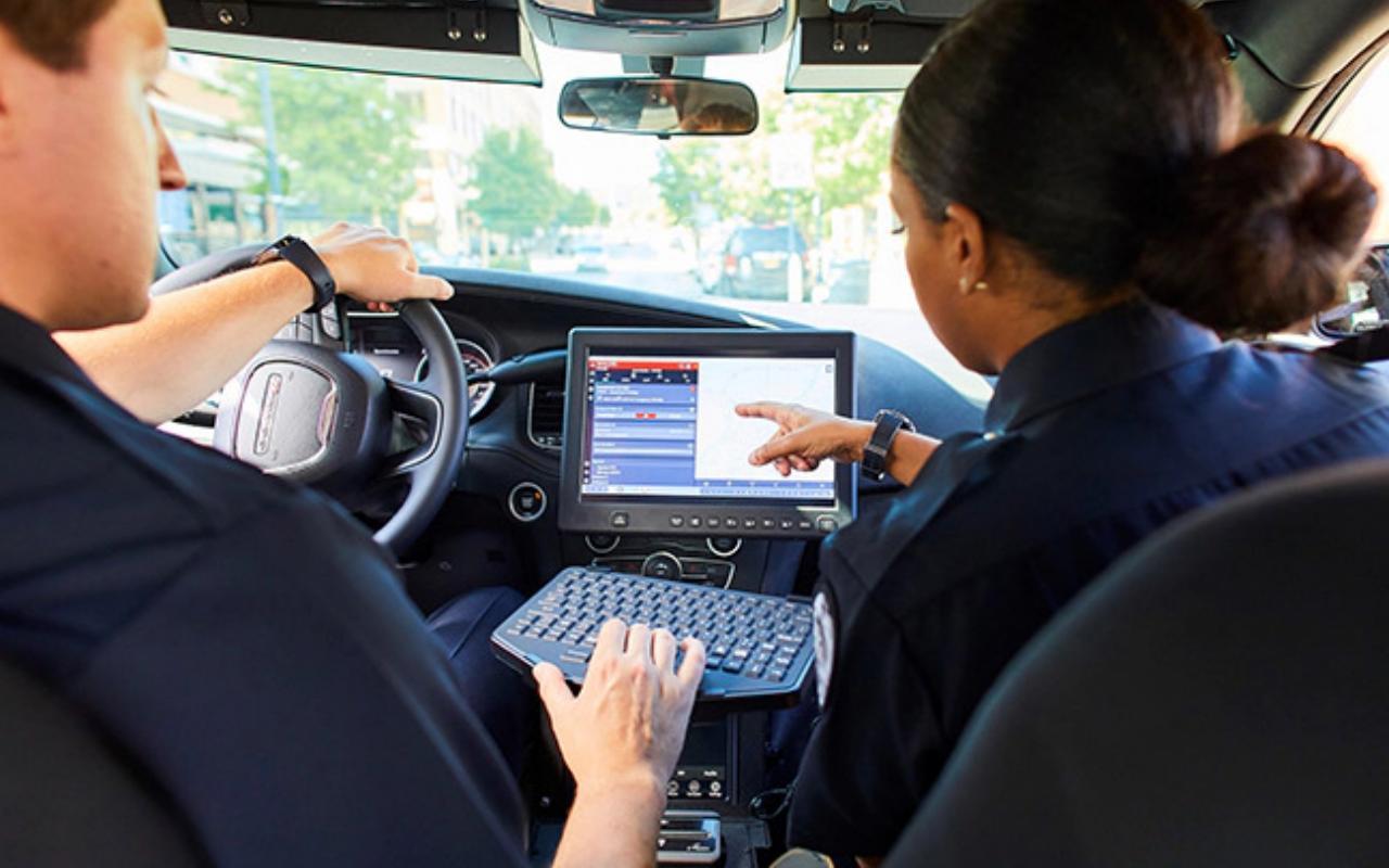 Samsung DeX akan menjadi mobil polisi Chicago