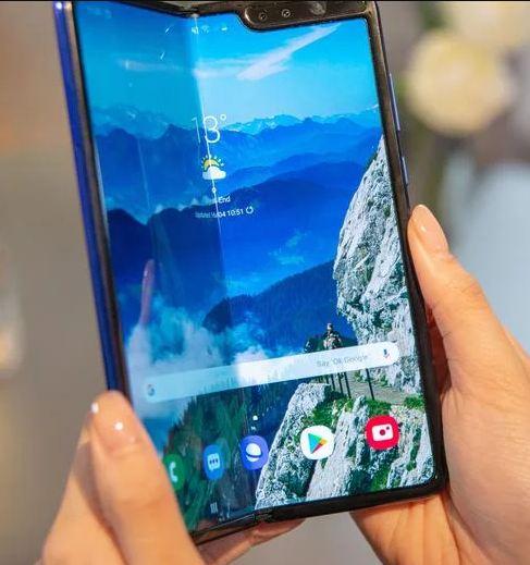 Samsung Galaxy Fold  2 - Rumor Mengklaim Model Akan Memiliki S Pen dan Spesifikasi Kamera Top