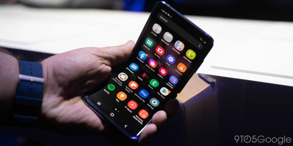 Samsung Galaxy Z Flip menjual dengan cepat di AS karena stok terbatas