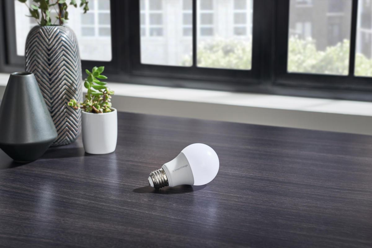 Đánh giá bóng đèn thông minh Samsung SmartThings: bóng đèn $ 10 được sản xuất cho SmartThingsverse 2
