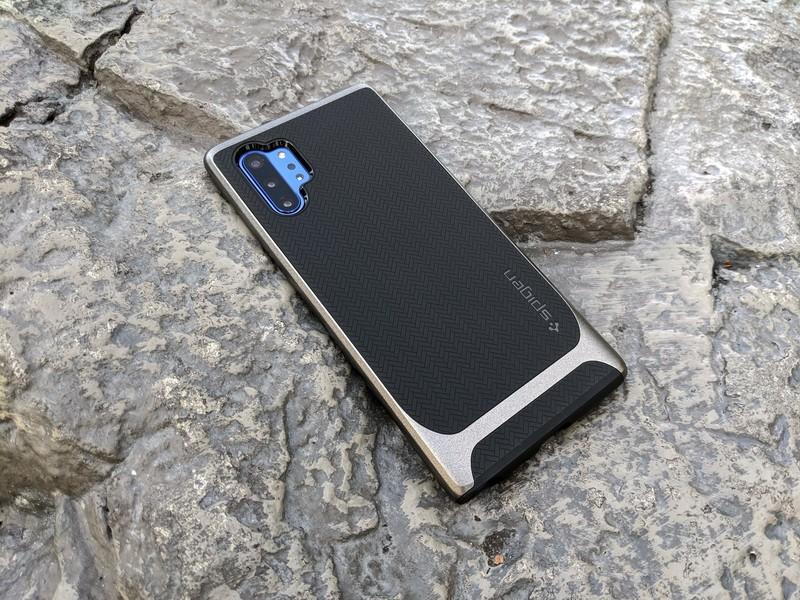 Spigen Neo Hybrid Note 10+ Ulasan kasus: Herringbone kembali, sayang! 1