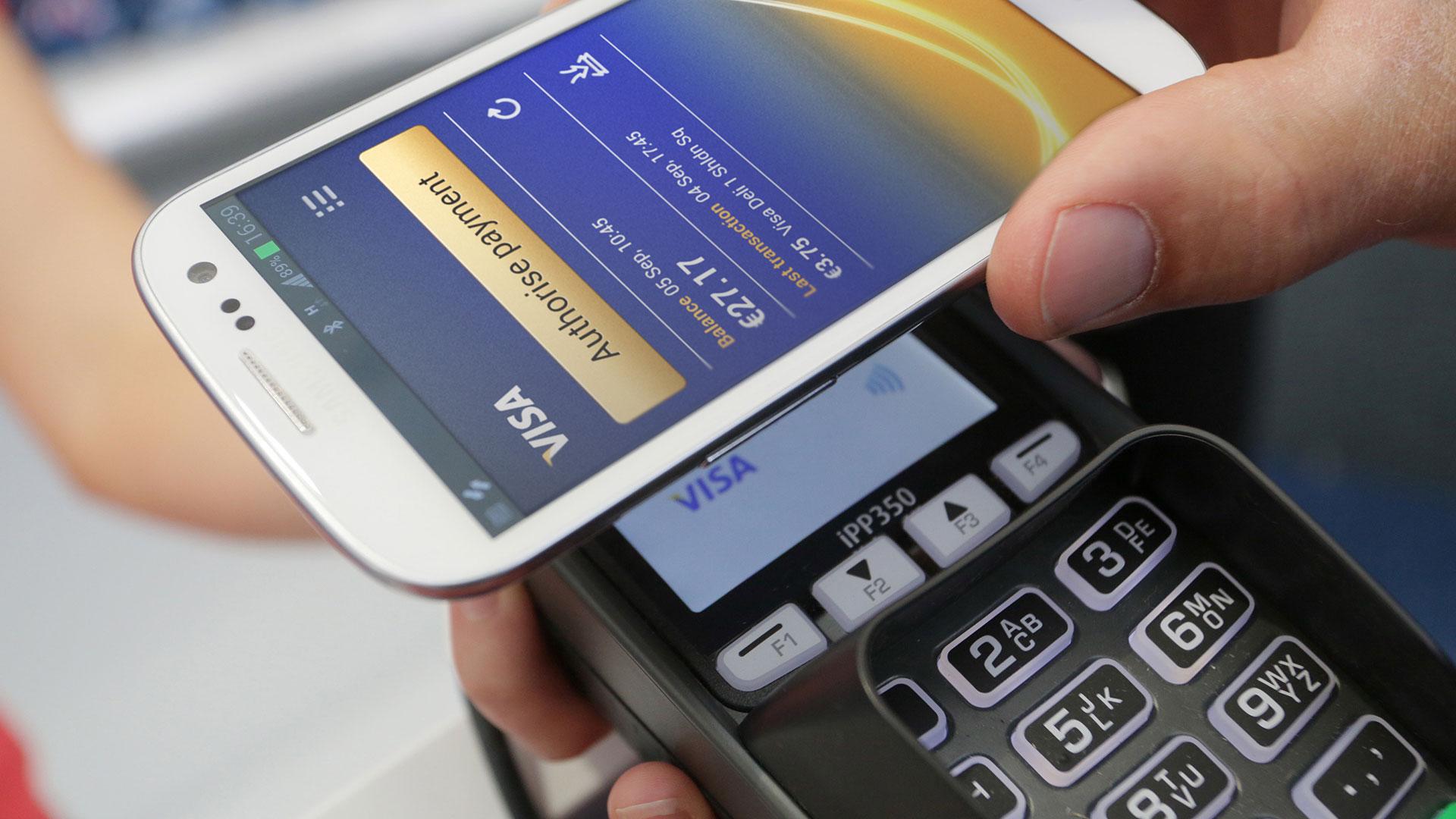 Ponsel pintar Android Anda sebagai pembaca ID elektronik 1
