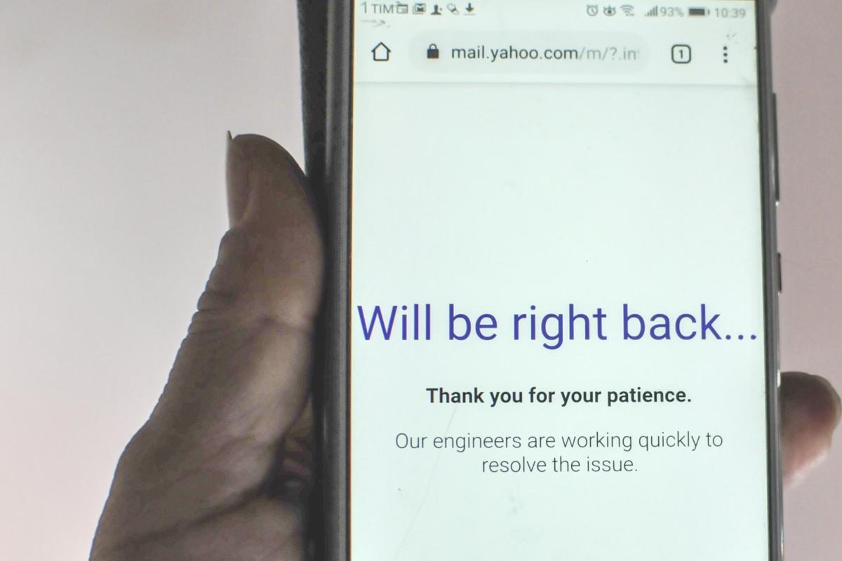 Yahoo Mail kembali online tetapi pelanggan mengatakan email telah DIVANIASI