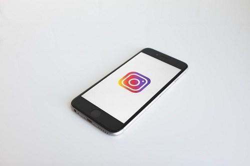 instagram karena pesannya berwarna biru