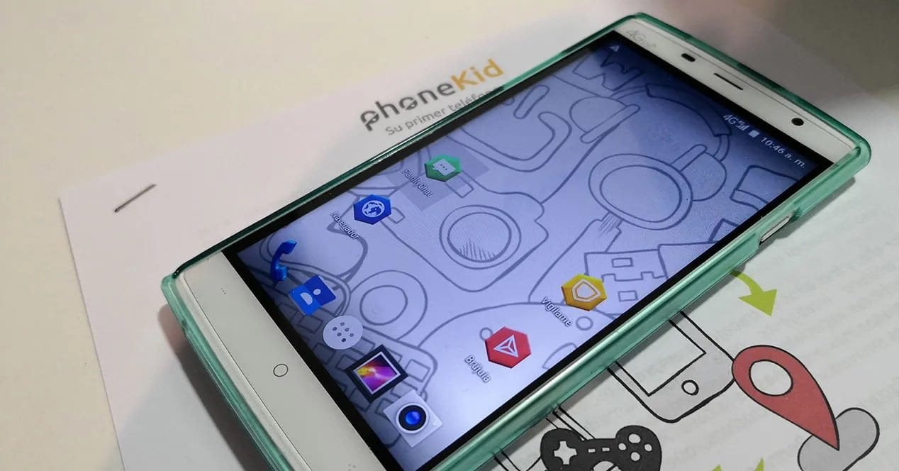 phoneKid, ponsel cerdas untuk anak-anak yang dibuat di Spanyol 1