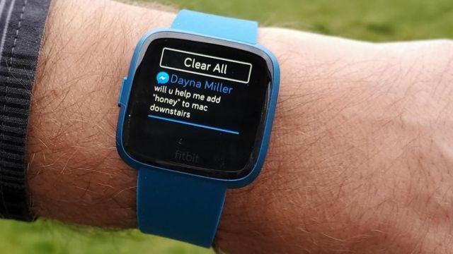 ¡Lanzamos la famosa marca de relojes inteligentes Fitbit!